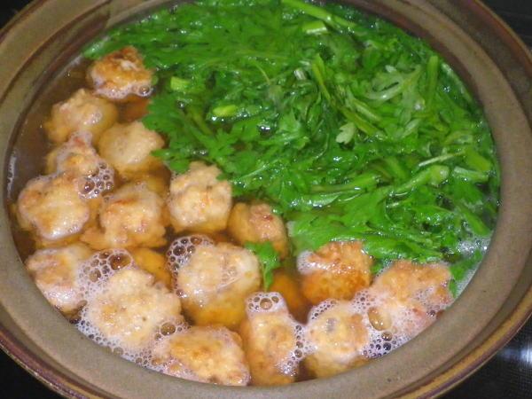 海鮮だんごと春菊の鍋