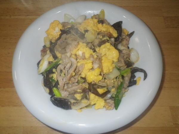 卵と豚肉のしょうゆ炒め